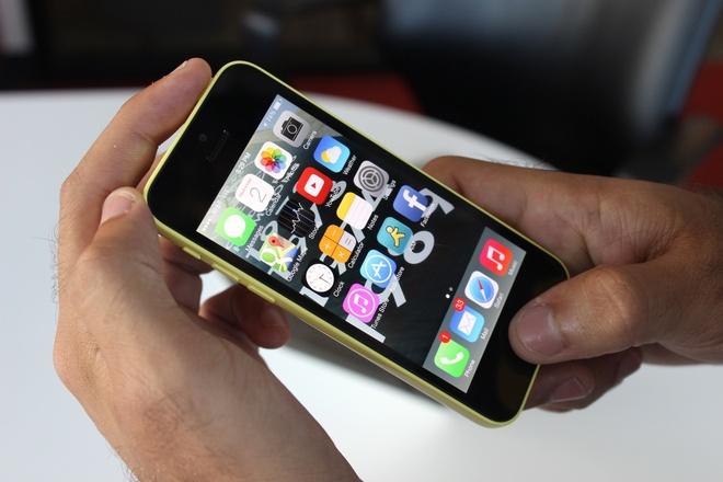 Cach tat ung dung bi treo tren iPhone doi cu hinh anh