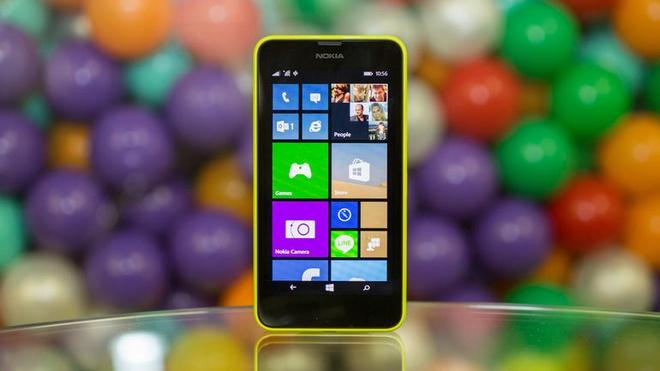 Chuyen gi dang xay ra voi Nokia va Microsoft? hinh anh