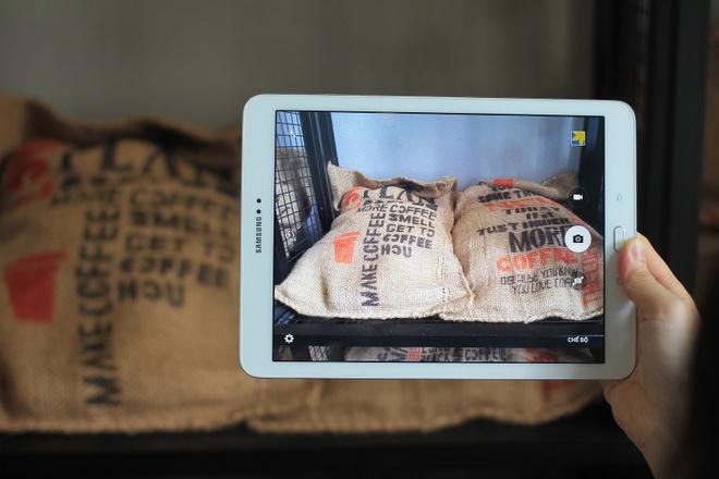 Dap hop Galaxy Tab S2 mong 5,6 mm, gia 13,9 trieu o VN hinh anh