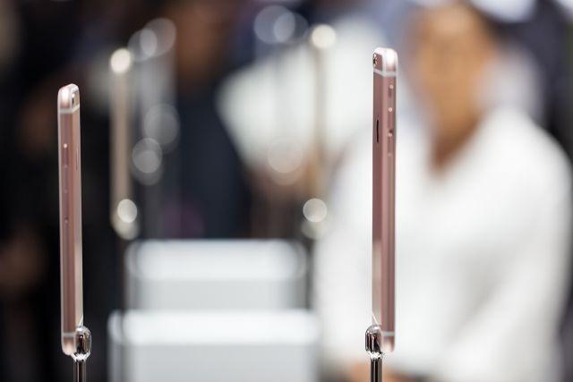 iPhone lam thay doi cuoc choi cua cac nha mang hinh anh 1 iPhone 6S và 6S Plus đi kèm chính sách phân phối mới.