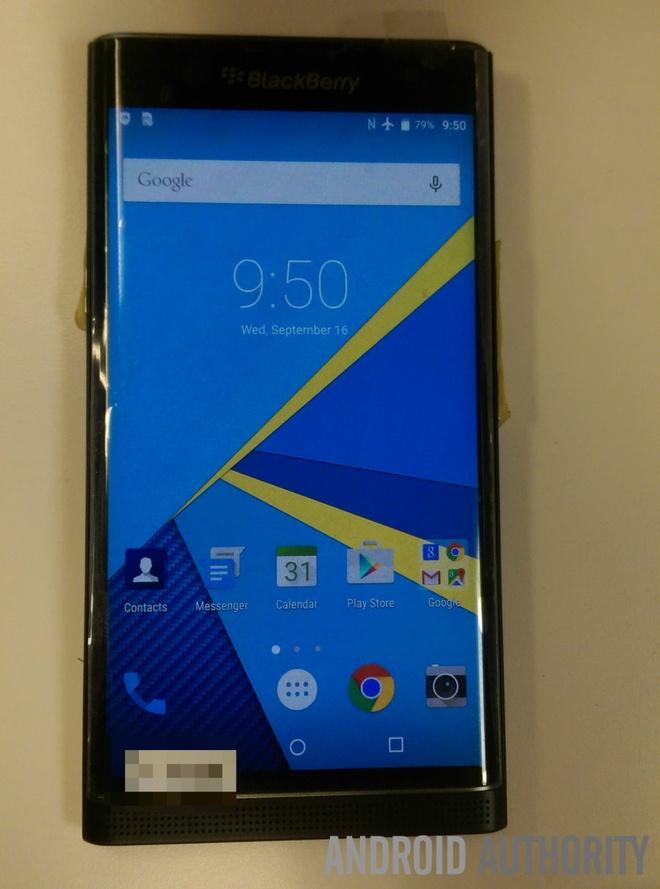 BlackBerry Venice ro ri anh thuc te hinh anh 4 Theo tin đồn, Venice được trang bị màn hình cảm ứng kích thước 5,4 inch với độ phân giải Quad HD (2.560 x 1.440 pixel).