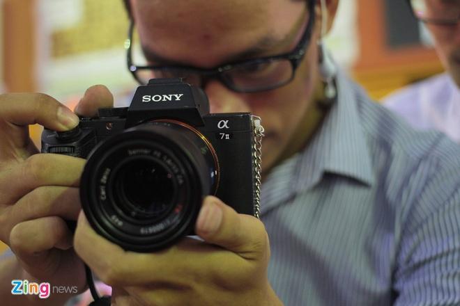 Xep hang dai cho vao xem Sony Show 2015 hinh anh 8