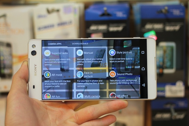 Dap hop Sony Xperia C5 Ultra gia 7,8 trieu dong o VN hinh anh