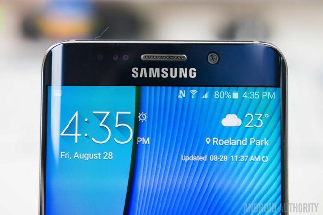 Samsung tiep tuc gap kho khan trong nam 2015 hinh anh 1 Việc tập trung quá nhiều nguồn lực vào sản xuất các thiết bị cao cấp có thể là một nguyên nhân chính khiến Samsung rơi vào tình thế hiện tại.