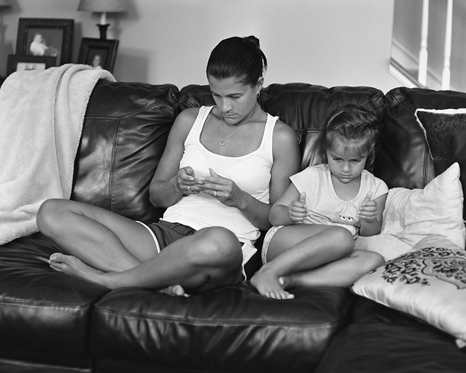 Smartphone hay máy tính bảng trở thành chiêu dỗ hiệu quả với trẻ em ở bất cứ đâu trên thế giới.