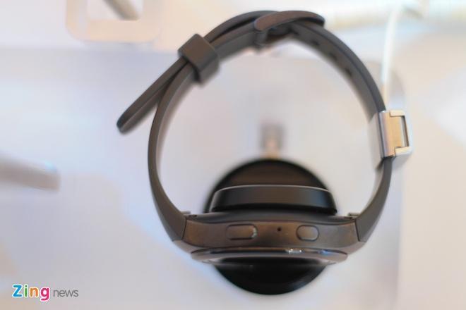 Samsung Gear S2 ve Viet Nam, gia tu 6,5 trieu dong hinh anh 10