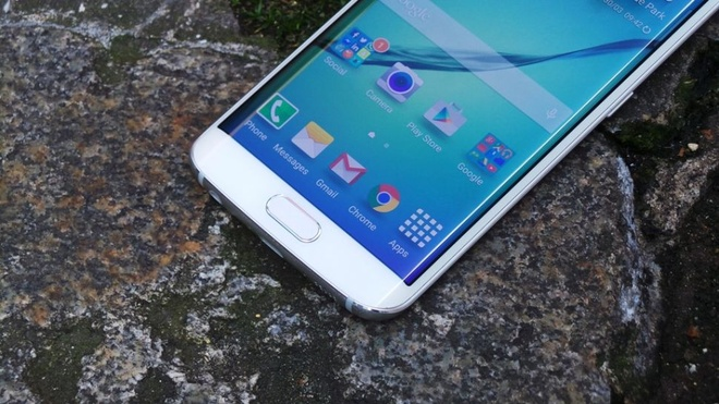 Galaxy S7 co the ho tro the nho, man hinh cong 4 canh hinh anh