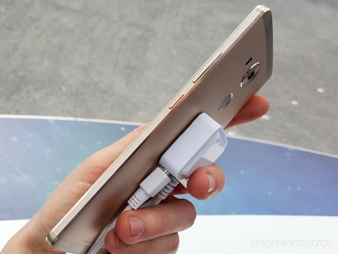 Anh thuc te Huawei Mate 8: Man hinh 6 inch, pin 4.000 mAh hinh anh 3