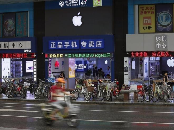 Apple Store nhai no ro tai Trung Quoc hinh anh
