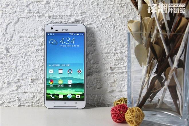 HTC One X9 chinh thuc lo dien trong loat anh thuc te hinh anh 1 Trang web anzhuo.cn vừa đăng loạt ảnh thực tế và cả video trải nghiệm một thiết bị mới mang thương hiệu HTC. Nhiều khả năng đây chính là smartphone tầm trung One X9.