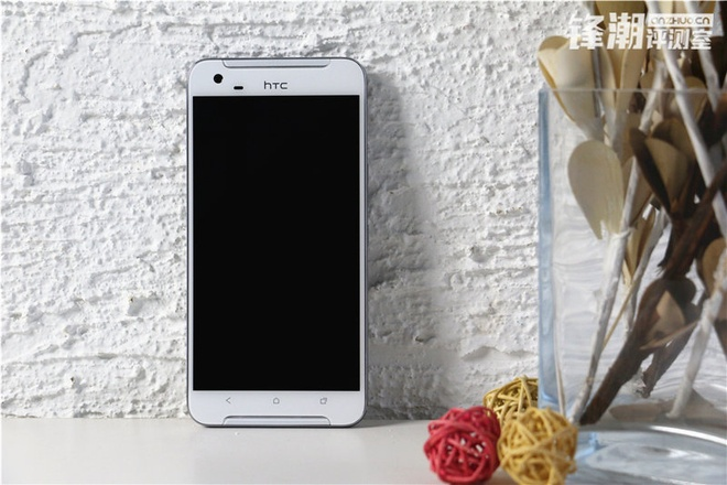 HTC One X9 chinh thuc lo dien trong loat anh thuc te hinh anh 2