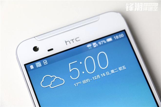HTC One X9 chinh thuc lo dien trong loat anh thuc te hinh anh 4 Loa ngoài được bố trí ở cả phía trên và dưới của màn hình. One X9 được cho là sở hữu camera trước với độ phân giải 5 megapixel.