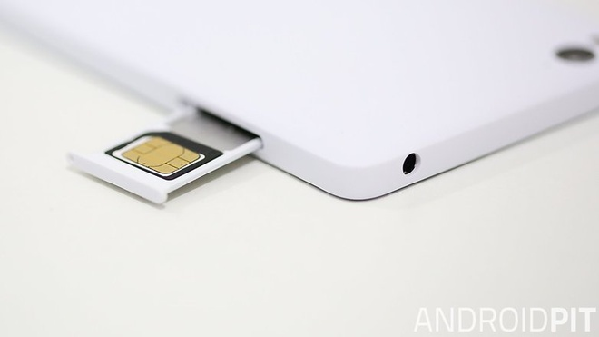 Tai sao smartphone Trung Quoc pho bien tren toan cau? hinh anh 4 Hầu hết các thiết bị từ Trung Quốc đều tích hợp hai khe cắm thẻ SIM.