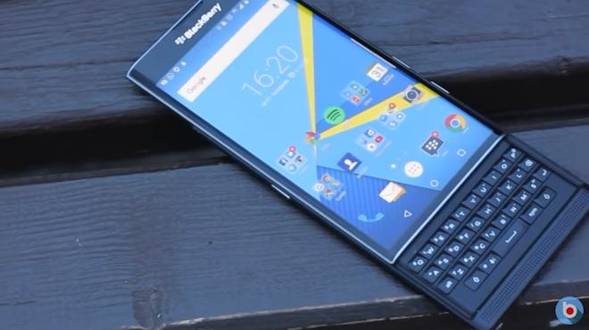 BlackBerry bi nghi thoi phong doanh so cua Priv hinh anh