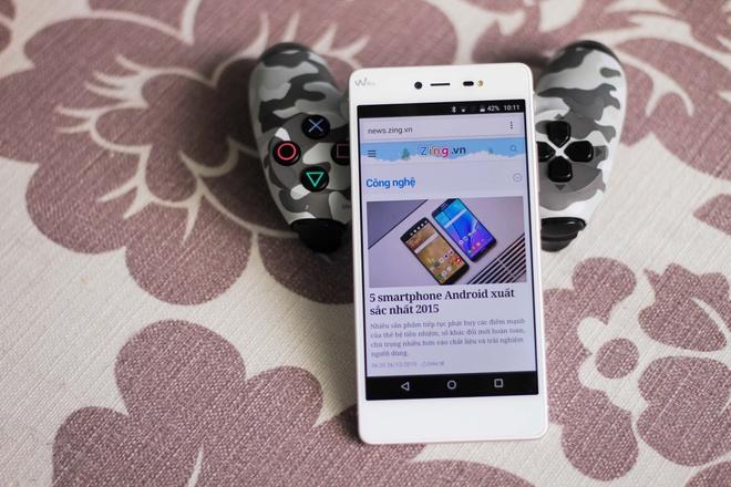 Mo hop smartphone RAM 3 GB, ho tro 4G gia 5 trieu o VN hinh anh
