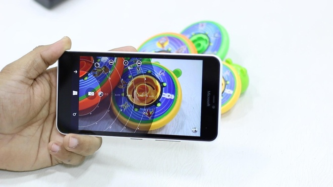 Nhung smartphone co may anh 13 MP gia re o VN hinh anh