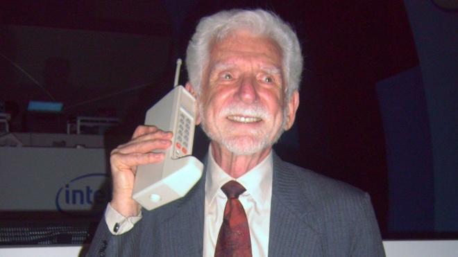 9 mau dien thoai lam nen ten tuoi Motorola hinh anh 1