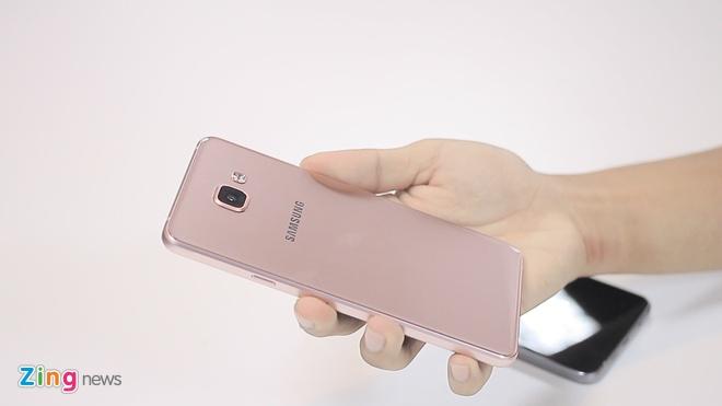 Danh gia Galaxy A7 2016 - smartphone thiet ke dep hinh anh 2