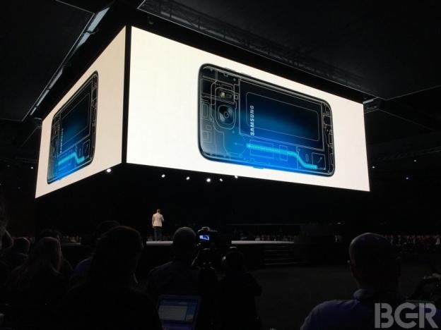 Nhung tinh nang vuot troi cua Galaxy S7 so voi iPhone 6S hinh anh 6