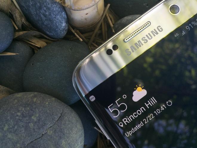 Nhung mau dien thoai tien phong cua Samsung hinh anh