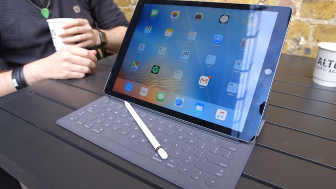 iPad moi doi mat voi nhiem vu bat kha thi hinh anh