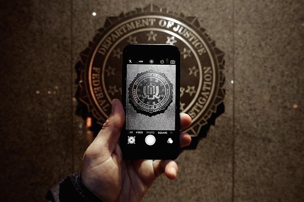 Cong cu cua FBI khong the be khoa iPhone 5S tro len hinh anh