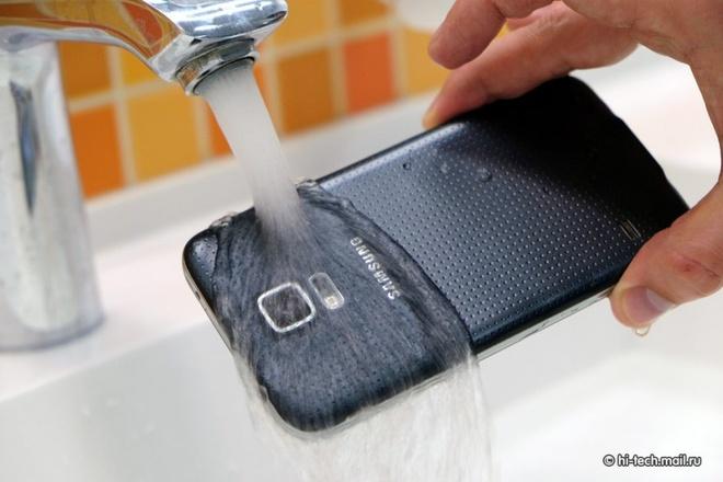 Galaxy S5 hoat dong tot sau 7 thang that lac duoi mua tuyet hinh anh