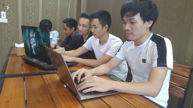Nhom 9X lam ROM thuan Viet cho may Android hinh anh 2
