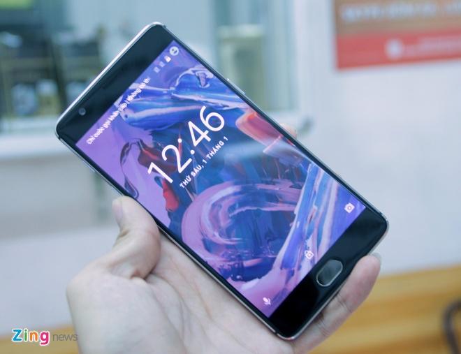Mo hop OnePlus 3 RAM 6 GB gia 10,5 trieu o VN hinh anh 1