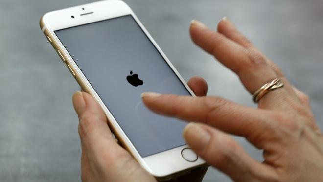 'Mua iPhone thoi diem hien tai la sai lam' hinh anh