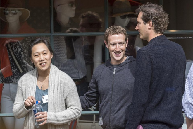 Tai sao Mark Zuckerberg luon chi mac mot chiec ao phong? hinh anh 1