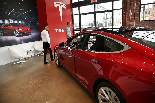Xe tu lai Tesla bi phat hien loi bao mat nghiem trong hinh anh 1