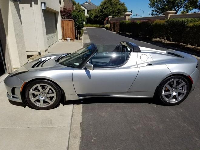 Tesla Roadster anh 9
