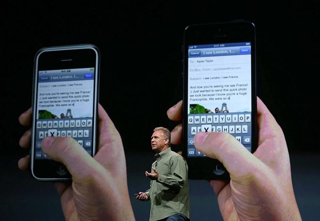 Pho chu tich Apple: 'Nguoi dung ky vong qua muc vao iPhone' hinh anh 1