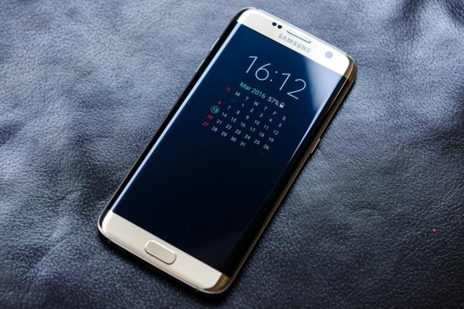 Chua ra mat, Galaxy S8 bi danh gia that bai truoc iPhone 8 hinh anh