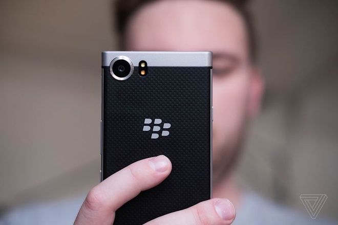 Anh BlackBerry KeyOne anh 3