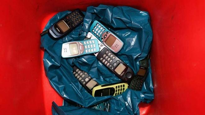 Nuoc co sai lam mang ten 3310 cua Nokia hinh anh