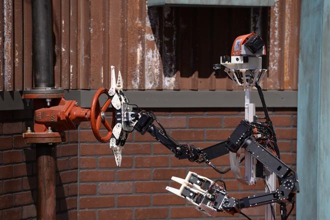Nhung mau robot co the cuu nguoi hinh anh 2