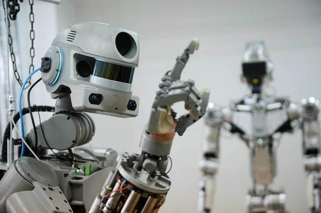 Nga bieu dien robot chien dau nhu nguoi that hinh anh