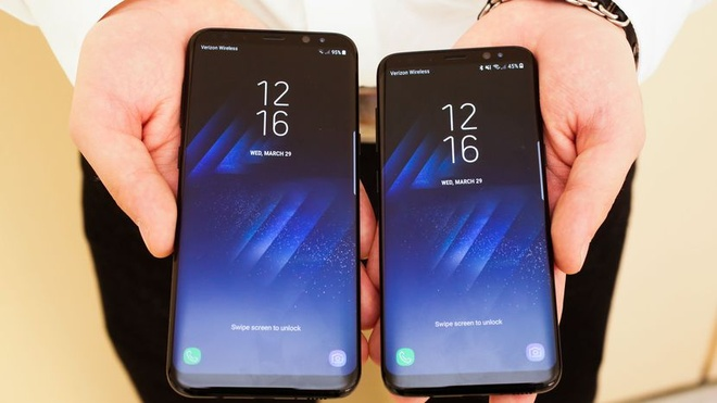 Bien vo sau Samsung Galaxy S8 thanh trong suot hinh anh