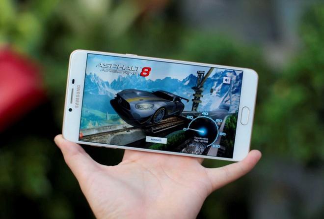 Thu choi game tren Samsung Galaxy C9 Pro hinh anh 1