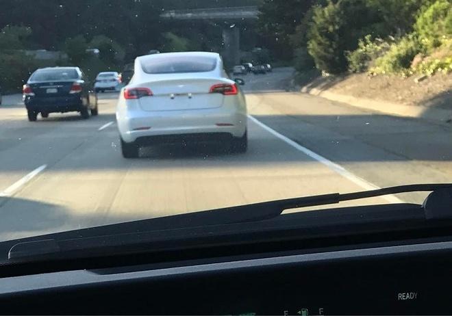 Tesla Model 3 chay thu nghiem anh 1