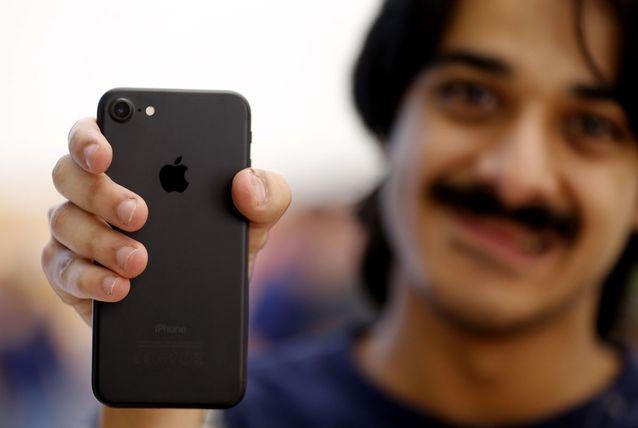 iPhone 8 ra mat bien iPhone 7 thanh smartphone dang mua nhat hinh anh