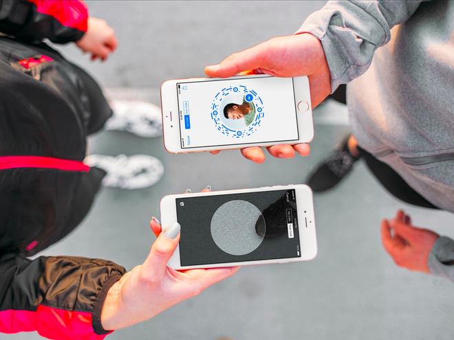 Nhung lan Facebook 'vay muon' y tuong tu doi thu Snapchat hinh anh 2
