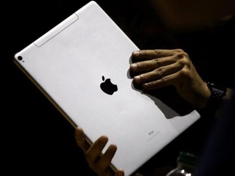 Apple that the truoc Amazon trong mang kinh doanh dich vu hinh anh 1