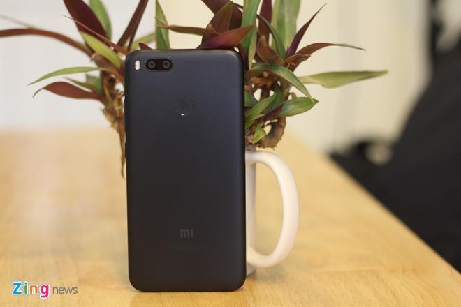 Smartphone camera kep gia 5 trieu cua Xiaomi ve VN hinh anh 2