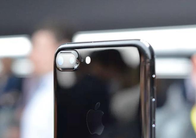 Phan biet nhung kieu camera kep tren smartphone hinh anh