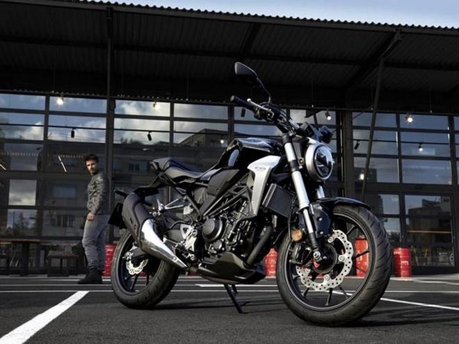 Honda CB300R 2018 - doi thu xung tam cua Yamaha MT-03 hinh anh