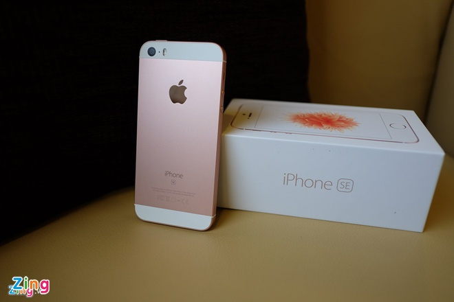 Ban dung iPhone SE dua tren thiet ke iPhone X hinh anh 1