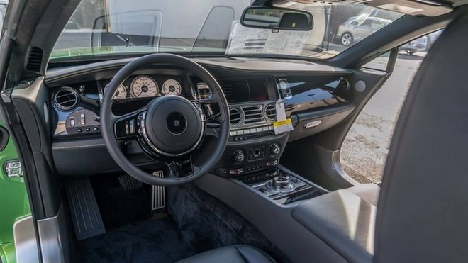 Rolls-Royce Wraith mau xanh com gia hon 400.000 USD hinh anh 4